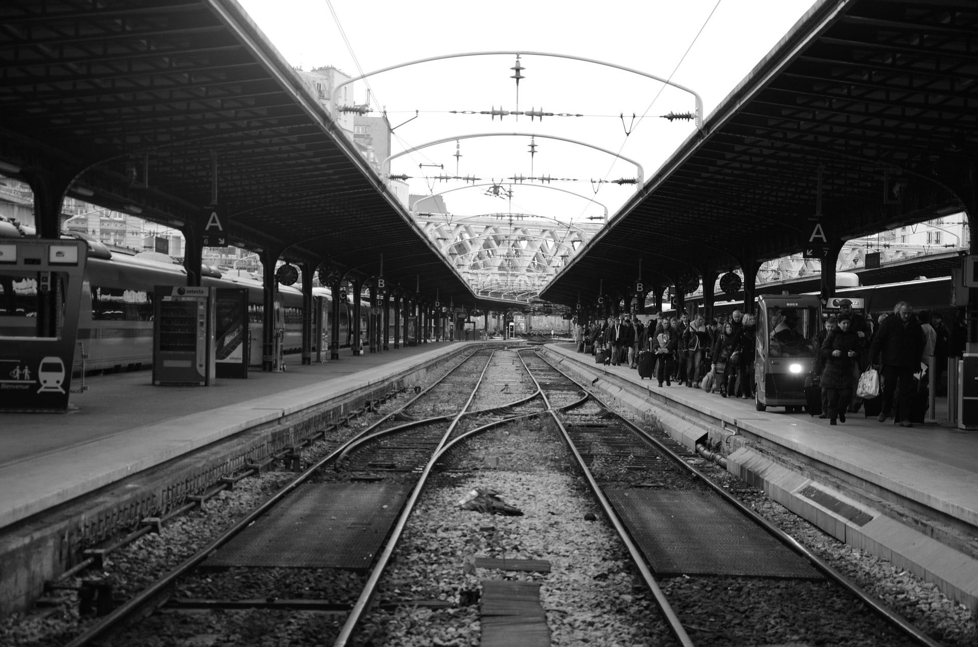 gare-de-lest-78572_1920